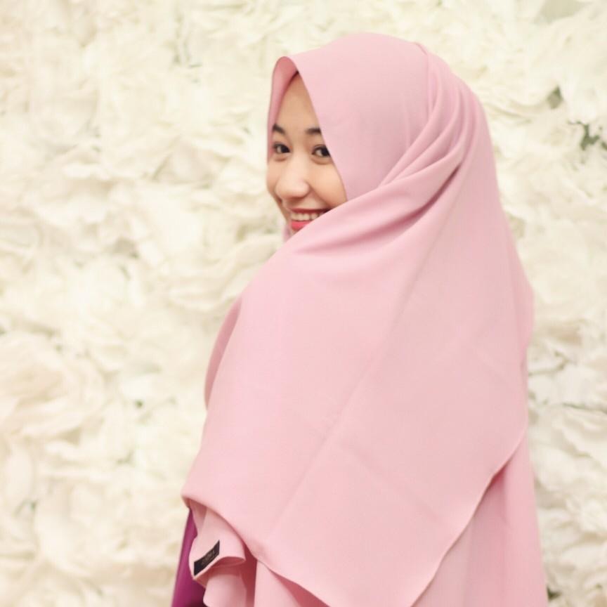 Salam! I'm Zahra Rabbiradlia